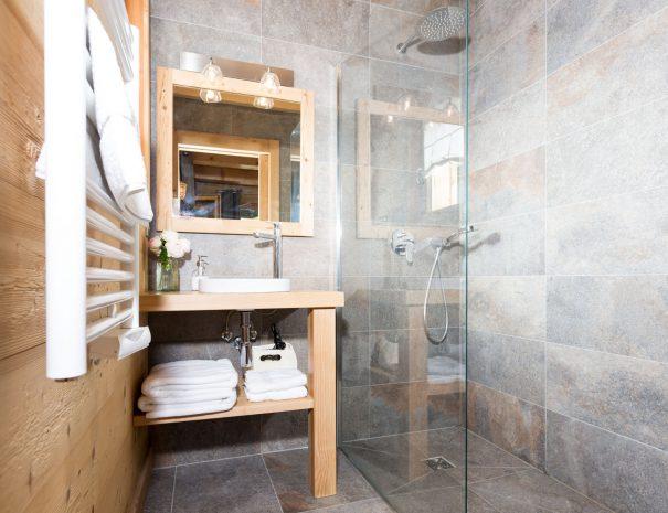 bathroom chalet rental