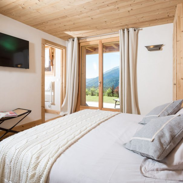 authentic rental chalet mountains